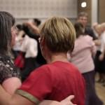 Wie immer - auch bei diesem Tanzfest gibt es einen Frauenüberschuss.