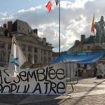 La Marche sur Paris des Indignés auf dem Place du Martroi 1