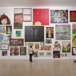 Eine Wand voller Bilder
